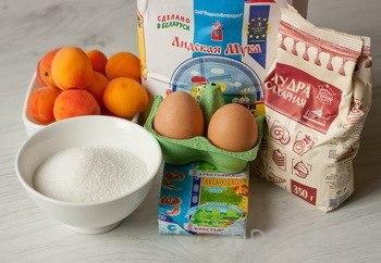 Вкуснятинка: Бисквитный абрикосовый пирог (5 фото)
