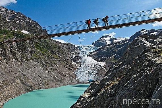 Висячий мост Трифт - самый страшный в мире (4 фото)