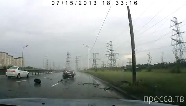 Закрутило по мокрой дороге... ДТП в Кожухово, Москва