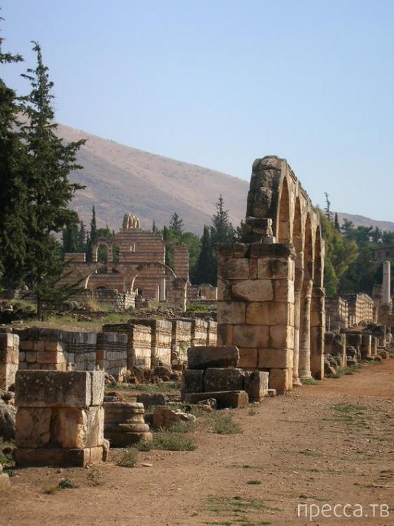 Ливан.  Древний город Анджар (10 фото)