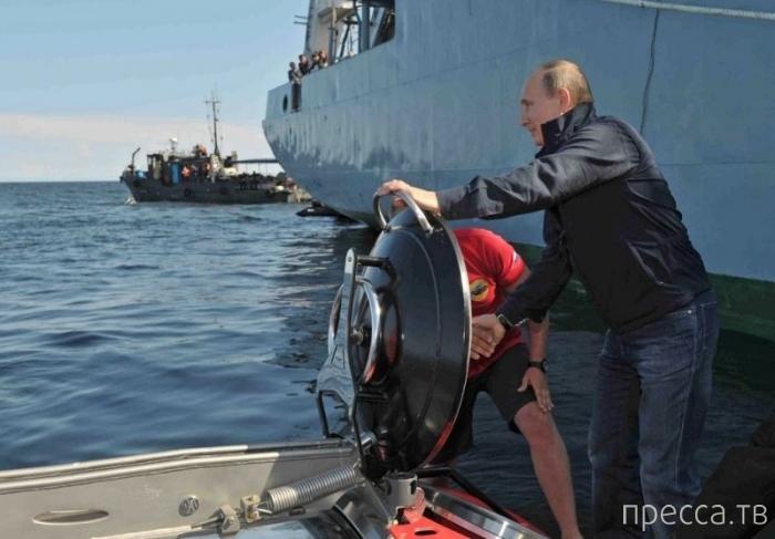 Владимир Владимирович спустился на дно морское (4 фото)