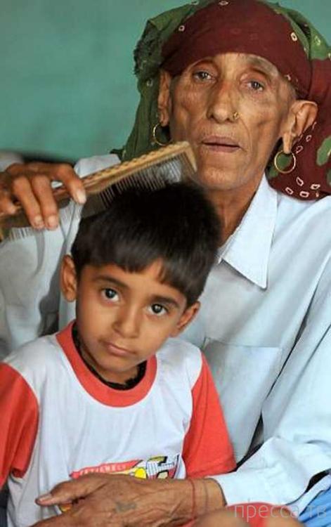 Самая старая мать в мире говорит что не умрет, пока не выдаст дочь замуж (4 фото)