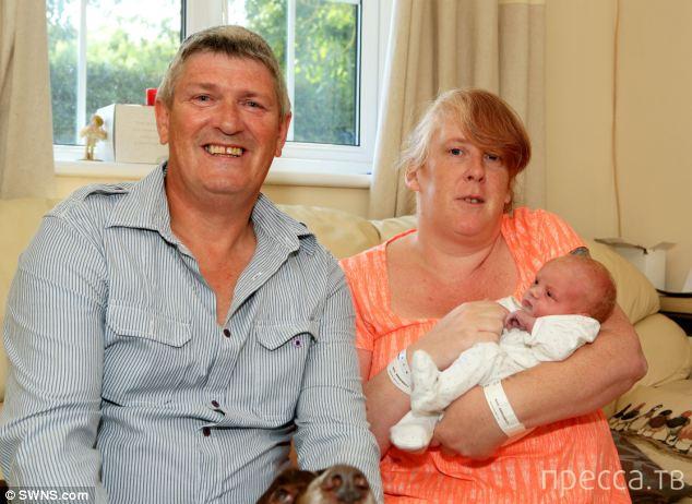 Думала запор, а оказалось беременна (4 фото)