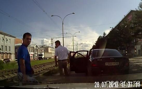 Хамское поведение на дороге в Кемерово...
