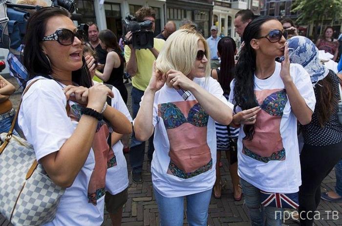Голландские проститутки остались без заработка (11 фото)