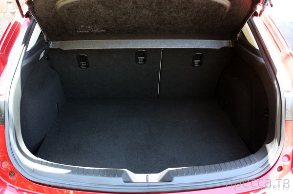 Новинка 2014: Маленькое чудо - Mazda 3 (18 фото)