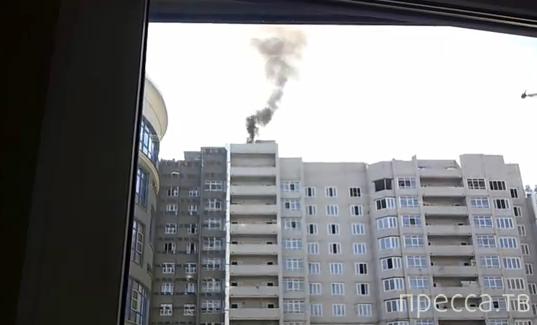 Взрывы газовых баллонов на крыше многоэтажного дома в Иваново...