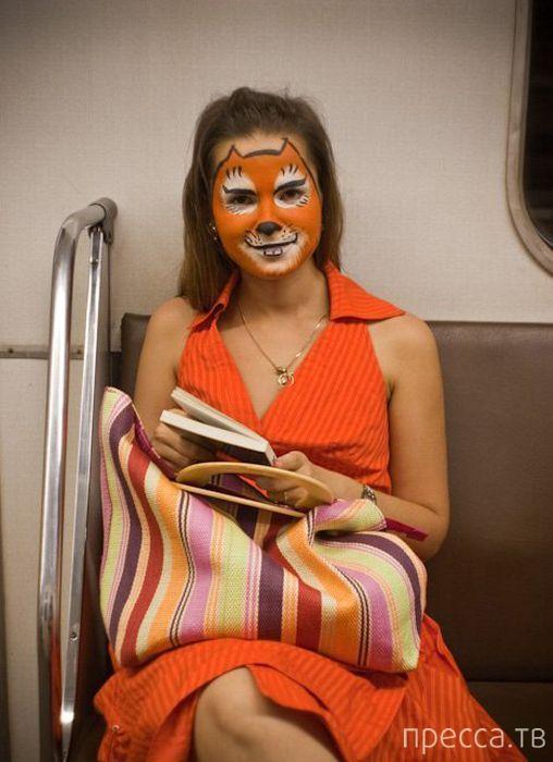 Странные люди в метро (73 фото)