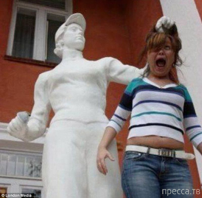 Необычные фотографии с памятниками (20 фото)