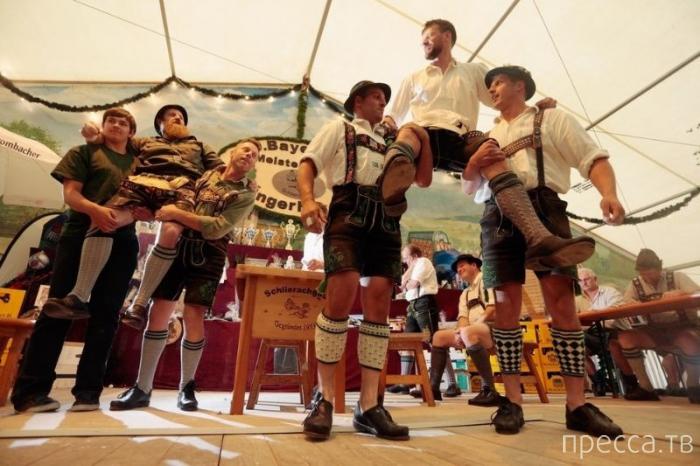 Баварский чемпионат по борьбе на пальцах (19 фото)
