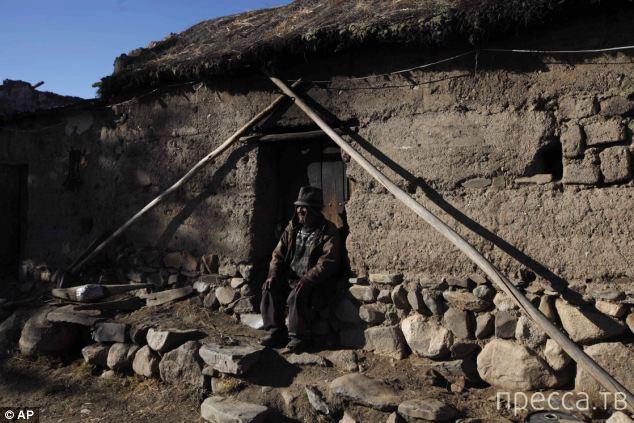 Флорес Лаура из Боливии - старейший житель Земли (4 фото)