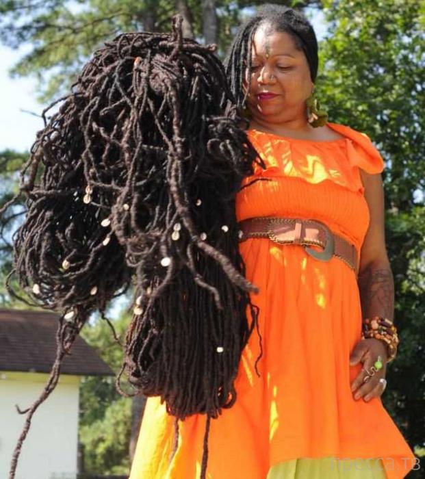 Американка Аша Мандела - обладательница самых длинных в мире дредов (6 фото)