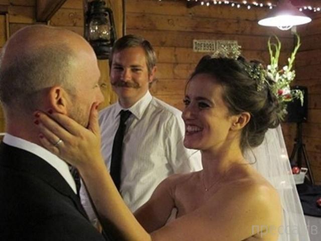 Свадебные фотобомбы (47 фото)