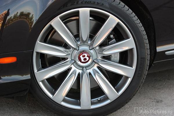 Роскошный и комфортабельный - Bentley Continental GTC V8 (20 фото)