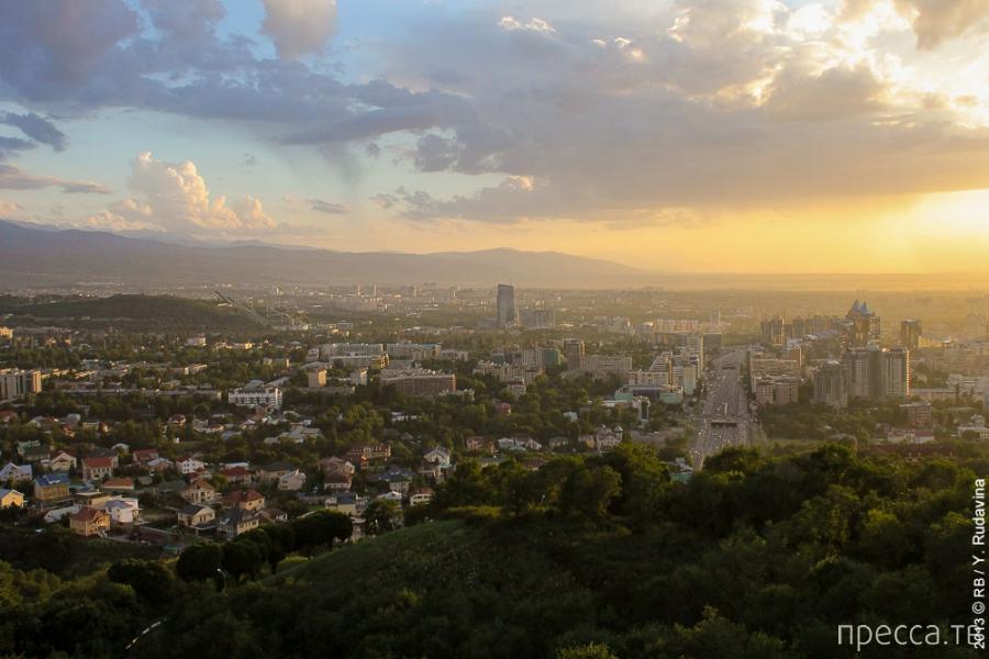 Казахстан. Алматы: вид сверху (12 фото)