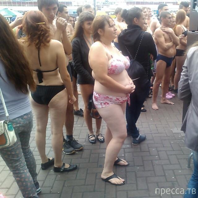 Голый шоппинг в Киеве (3 фото)