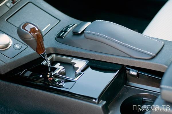 Роскошный, брендовый седан -  Lexus ES350 2013 (18 фото + видео)