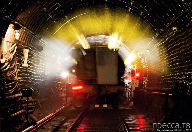 По ту сторону метро (16 фото)