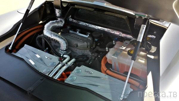 Двухместный гибридный концепт-кар Infiniti Emerg-E (16 фото)