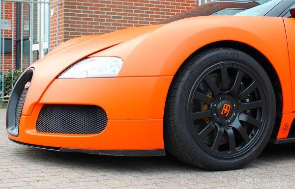 Игрок Барселоны - Андрес Иньеста  хочет купить Bugatti (14 фото)