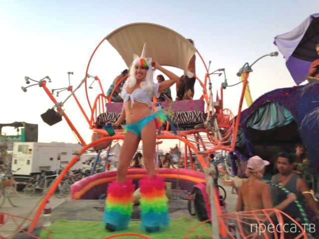 "Ежегодный фестиваль - ""Burning Man-2013"" в Северной Неваде (44 фото)"