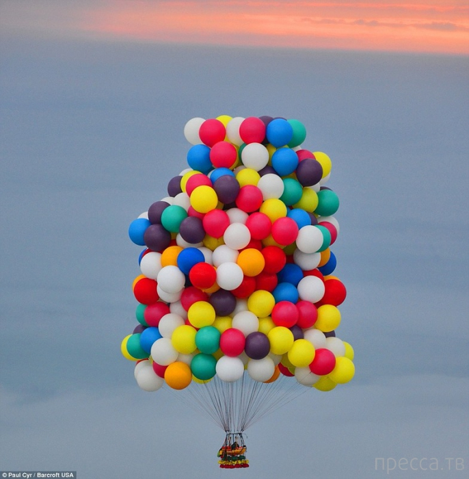 Путешествие через Атлантический океан на воздушных шариках (7 фото)