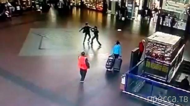Уроженец Узбекистана напал на сотрудников  транспортной полиции... Железнодорожный вокзал Горький-Московский