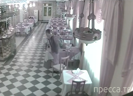Алексей Панин устроил дебош в ресторане г. Вязники, Владимирской области
