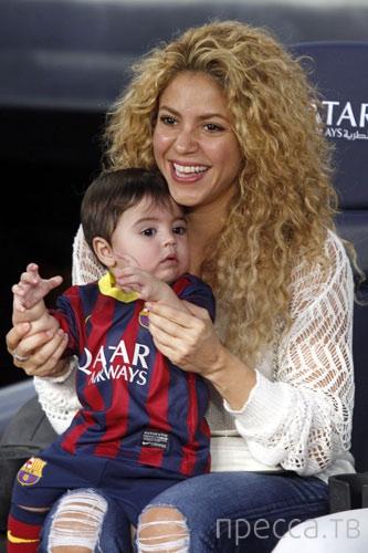 Шакира вместе с сыном посетила футбольный матч (10 фото)