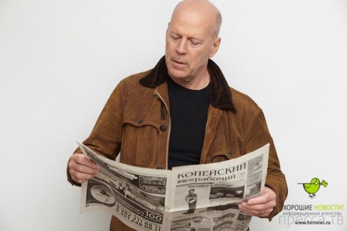 Креативный пиар одной из челябинских газет (17 фото)