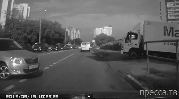 """""""Шкода"""" не проскочила... ДТП на Беринговом проезде, Свиблово, Москва"""
