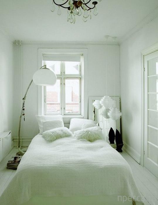 Как сделать маленькую спальню уютной и удобной (24 фото)