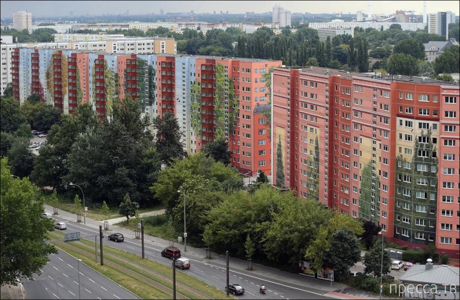 Необычное граффити на жилом доме в Берлине (19 фото)