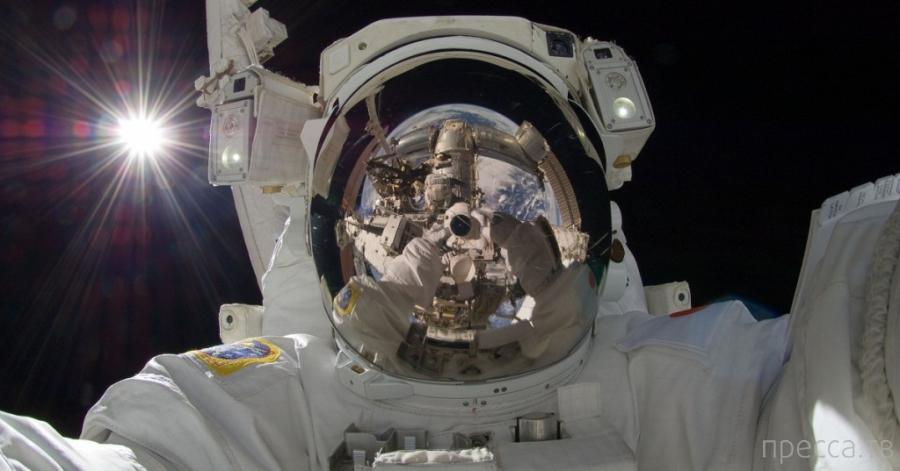 Как какают космонавты...