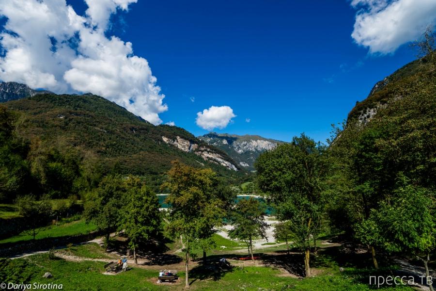 Озеро Тенно - самое чистое озеро Италии (25 фото)