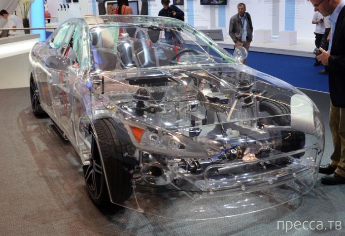 Полностью прозрачная акриловая машина (8 фото)