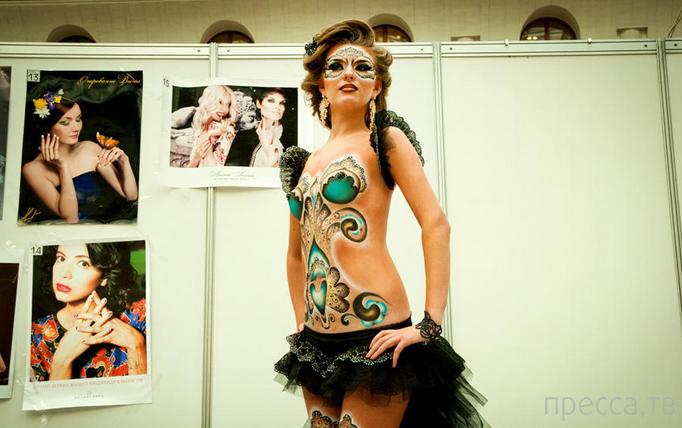 Шоу-показ креативных причесок в Гостином дворе (15 фото)