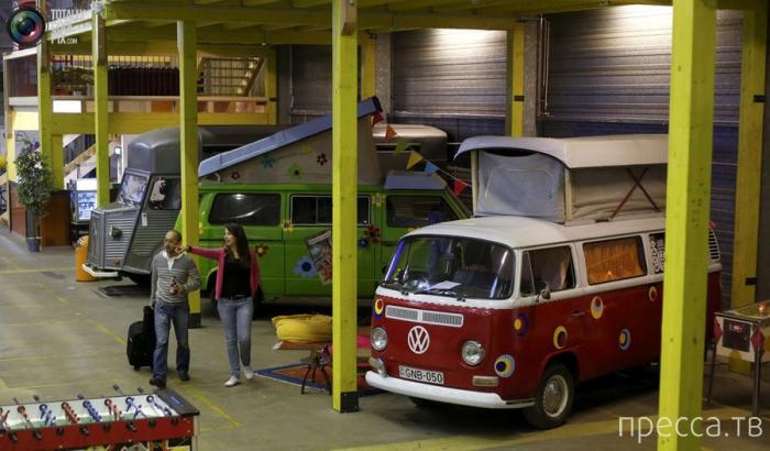 Первый в мире отель из вагончиков для кемпинга в Бонне (18 фото)