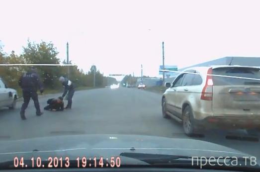 Сотрудник ДПС сбил пешехода на переходе... Миасс, Челябинская область
