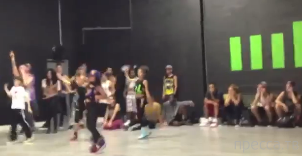 Детишки показывают нереальное мастерство танца