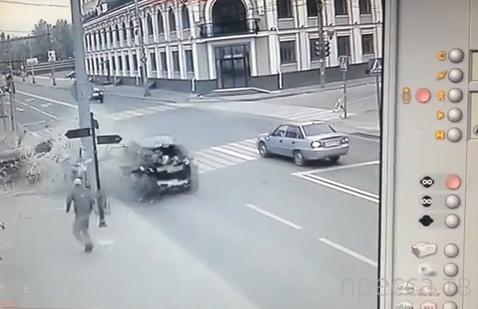 ДТП в Казани. Другой ракурс. Продолжение поста от 7.10.2013