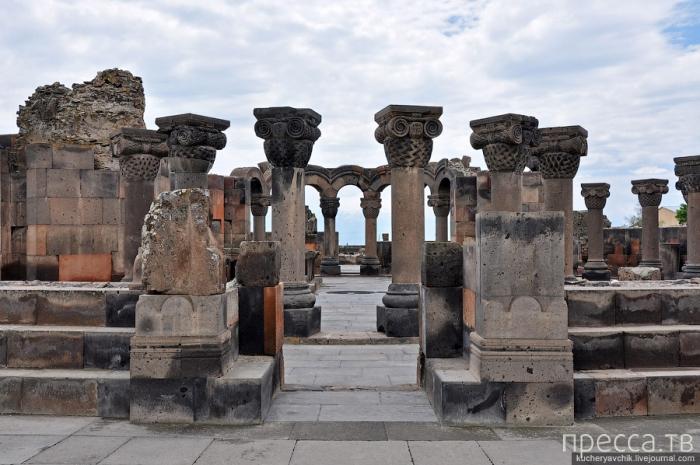 Археологический парк Звартноц, Армения (7 фото)