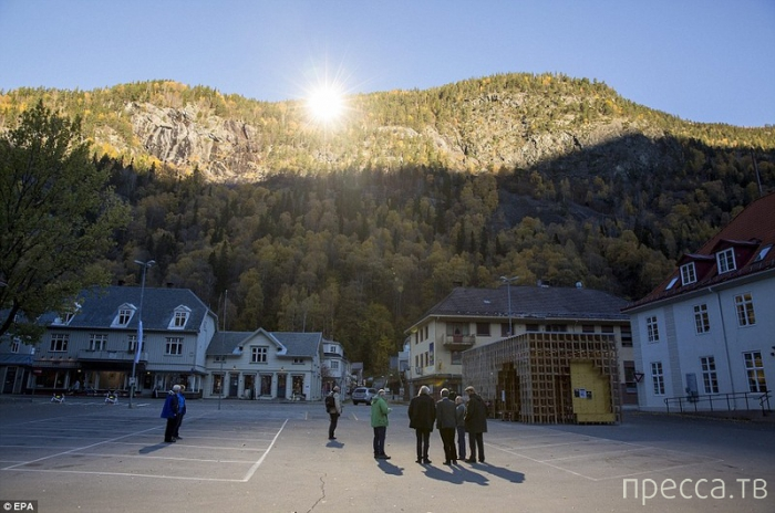 У жителей норвежского городка Рьюкан появилось собственное «солнце» (5 фото)