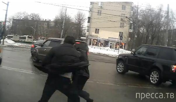 Драка водителей на пересечении Волгоградского проспекта и Люблинской улицы, г. Москва