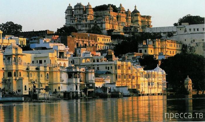 Топ 10: Самые известные города, построенные и стоящие на воде (10 фото)