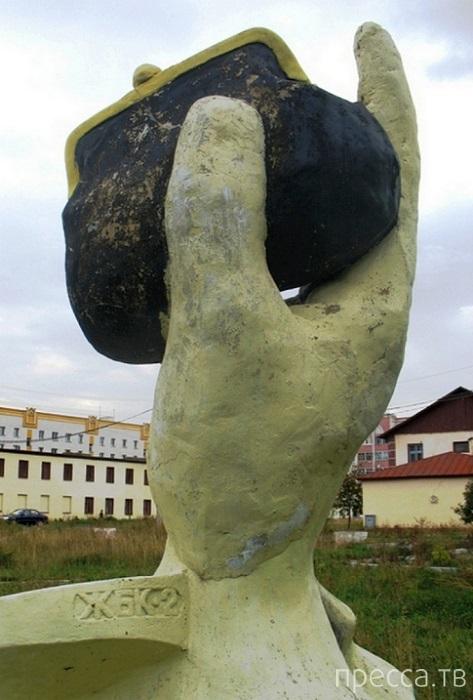 Самые интересные памятники Казани (13 фото)
