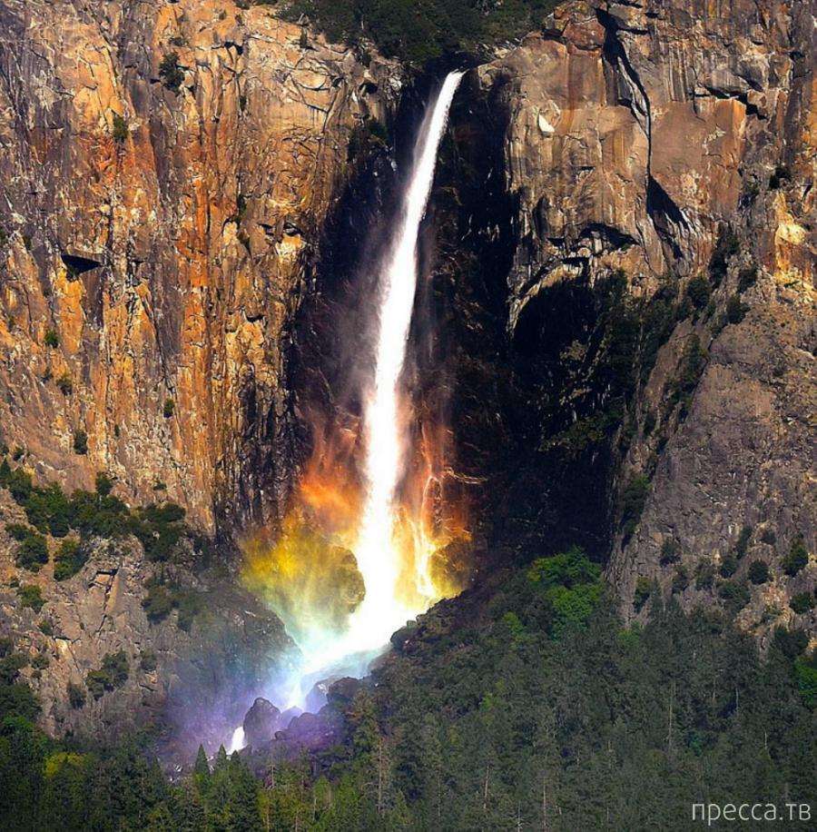 Радуга под водопадом (4 фото)