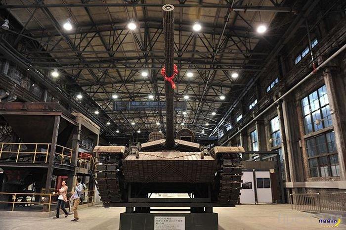 Китайцы сделали танк из стреляных гильз (11 фото)