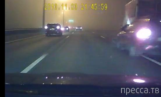 В темноте влетел грузовику в зад... ДТП на КАДе, Санкт-Петербург