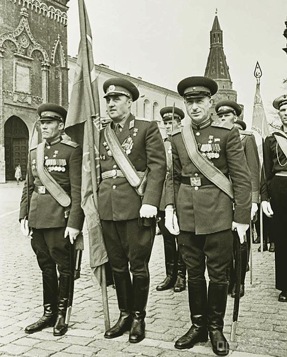 Топ 7: Самые знаменитые парады на Красной площади (9 фото)